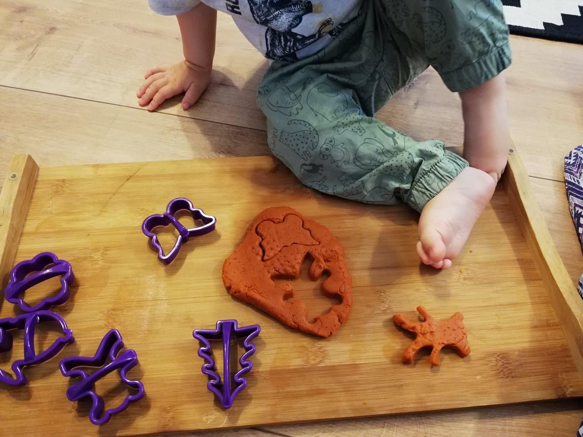 plastilina-homemade-playdough-forme