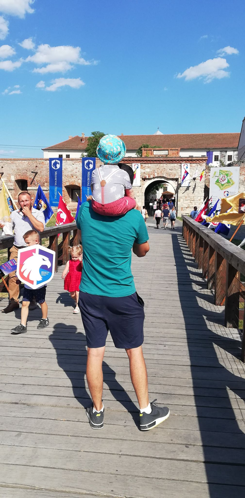 festivaul-medieval-oradea-loc-de-joaca-pentru-copii