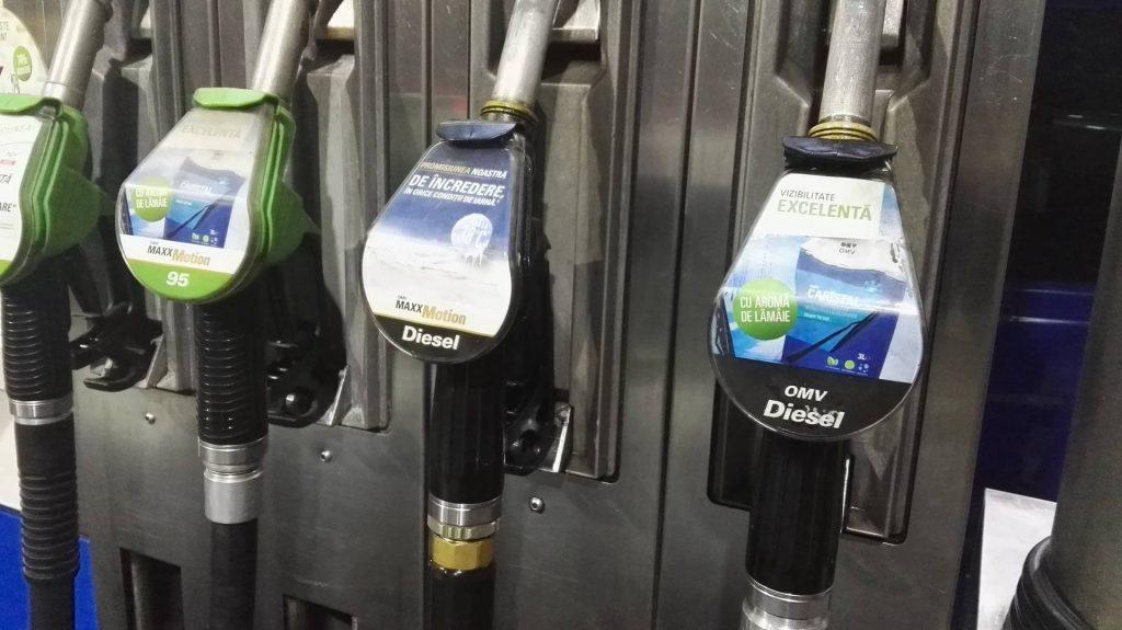 benzina-cu-lamaie
