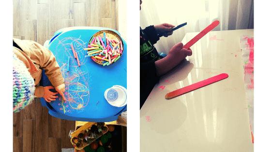 pictura-la-doi-ani-bete-de-lemn-creta-colorata