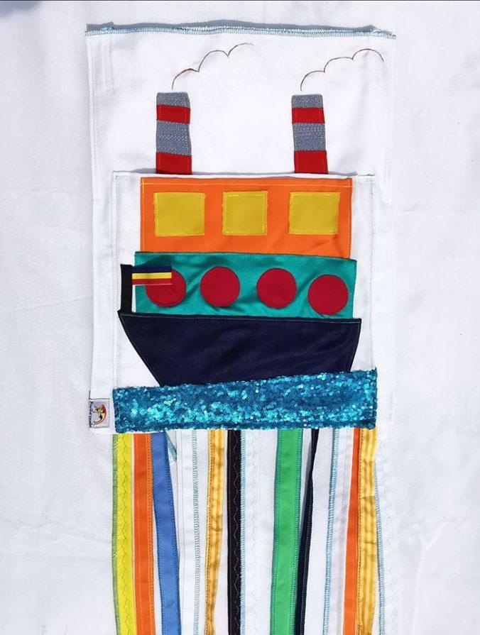 sacuetul-cu-surprize-fata-barca-vapor