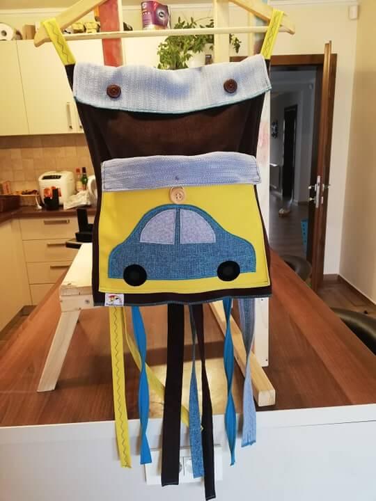 saculetul-cu-surprize-prietenii-veseliei-pinata-reutilizabila-masina-galben-albastru