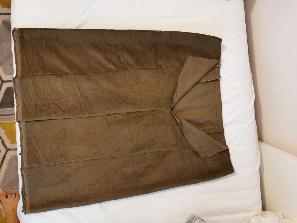 burda-08-2020-112-fusta-insailare-spate